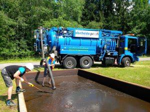 Entsorgung und Reinigung des Sammelbeckens für Schlamm und Gefahrenstoffe