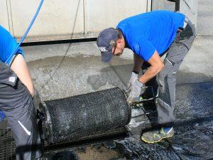 Reinigung des Koaleszenz Einsatzes (3)